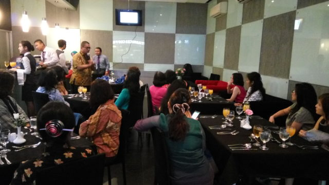 Bapak Aditya Pratomo membawakan topik Hygiene and Safety in Restaurant