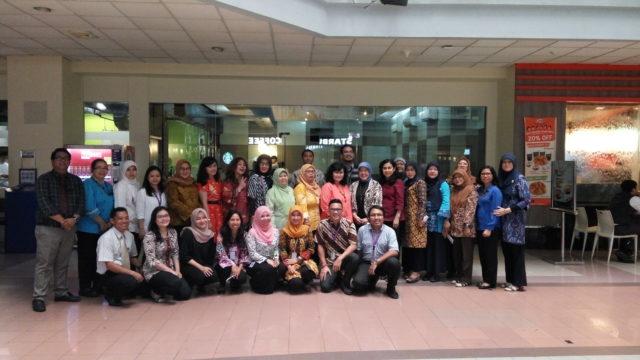 Seluruh peserta DWP Kementerian Sekretariat Negara dan perwakilam dosen Hotel Management BINUS