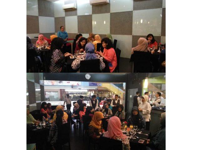 Ibu Farah Levyta (atas) dan Ibu Nurul Sukma Lestari (bawah) memberikan penjelasan menu appetizer dan dessert yang disajikan