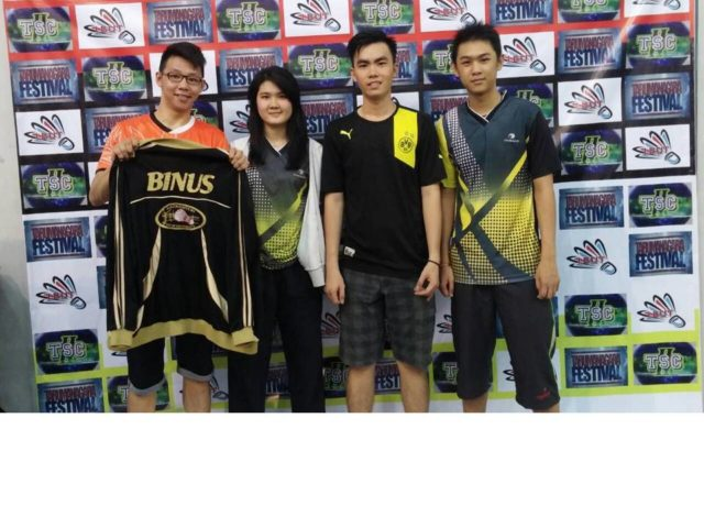 TIM BINUS (kiri-kanan) Tanto, Valencia, Septiandi, Willson Juara 1 Tunggal Putri, Juara 1 Ganda Putra, Juara 3 Tunggal Putra